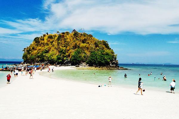 แนะนำสถานที่เที่ยวชมทะเลแหวกที่สวยงามในประเทศไทย